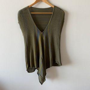 Pico Vela knit cap sleeve tee green